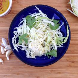 recept za klasičnu salatu od svježeg zelja (kupusa)