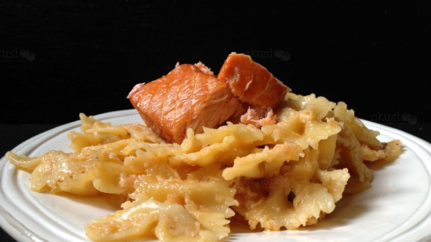 recept za tjesteninu s umakom od lososa