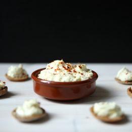recept za namaz od sira s češnjakom