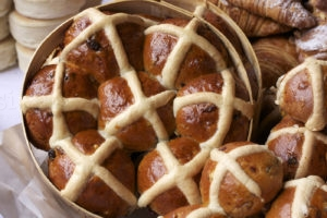 recept za hot cross buns