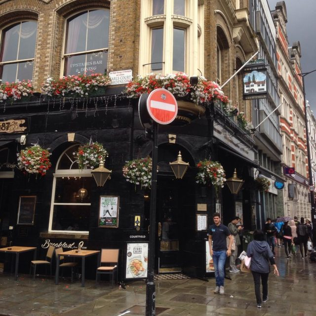Rainy day in London pub food travel england london kensingtonhellip