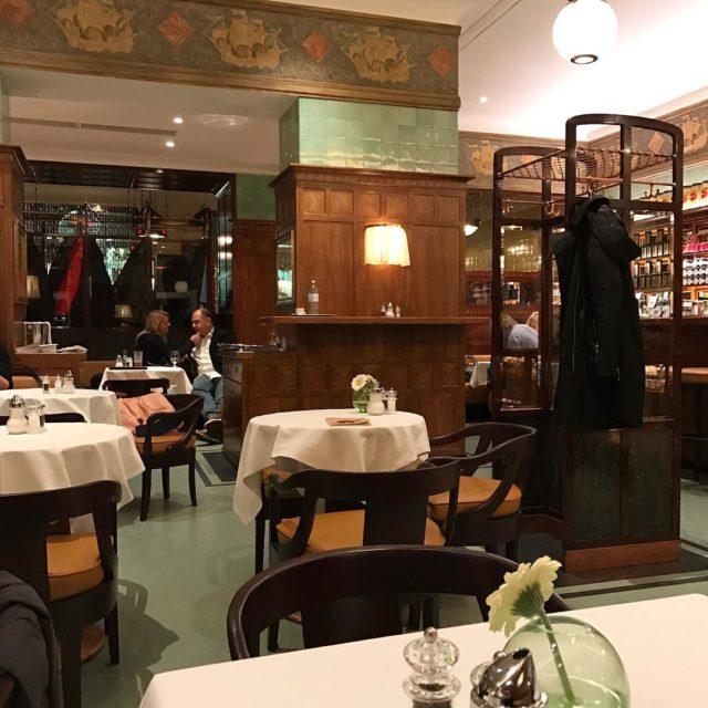 Legendary Vienna restaurant Zum Schwarzen Kamel    wienhellip