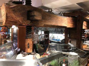 Pogled u kuhinju heurigera