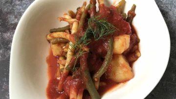 recept za Pelješki pjat, jelo od mahuna, rajčica i krumpira