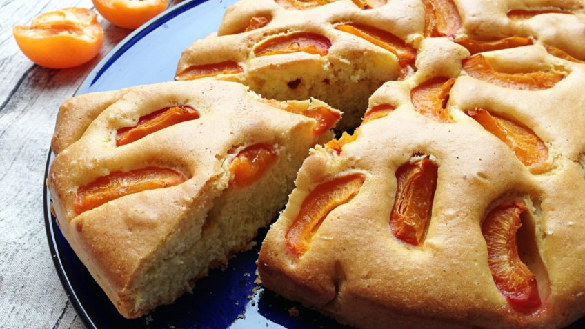 recept za kolač s maslinovim uljem i voćem
