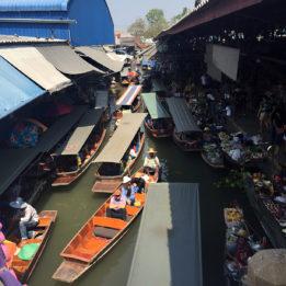 reportaža tržnica na brodovima u Tajlandu