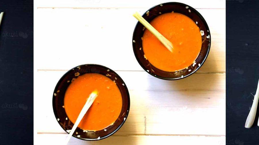 recept za juhu od rajčica s kokosovim mlijekom i limunskom travom