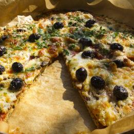 pizza na LCHF način, bezglutensko tijesto