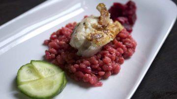 recept za ružičasti rižoto od ječma s ribom