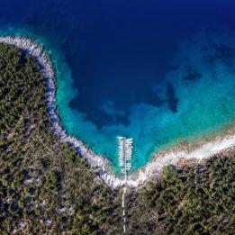 fotografija iz zraka uvale u Njivicama