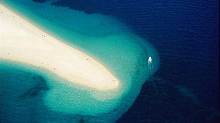 plaža Zlatni Rat u Bolu na otoku Braču