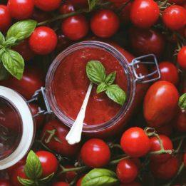 Domaća šalša (umak) od pomidora (rajčica)