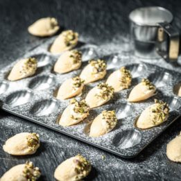 recept za madeleines kolačiće s limunom i pistacijom